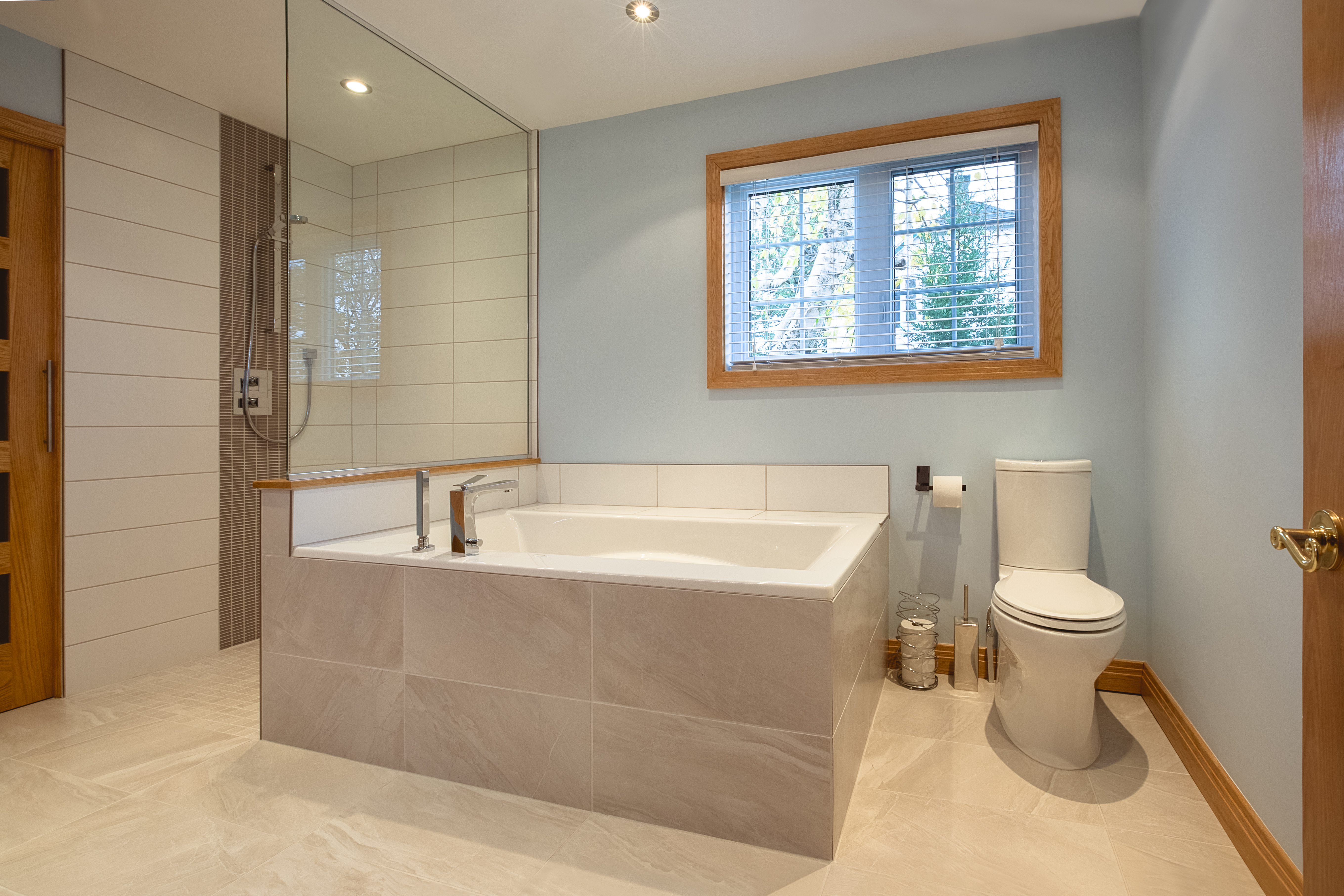 Salle de bain espace idesign design d 39 int rieur par for Cout salle de bain renovation